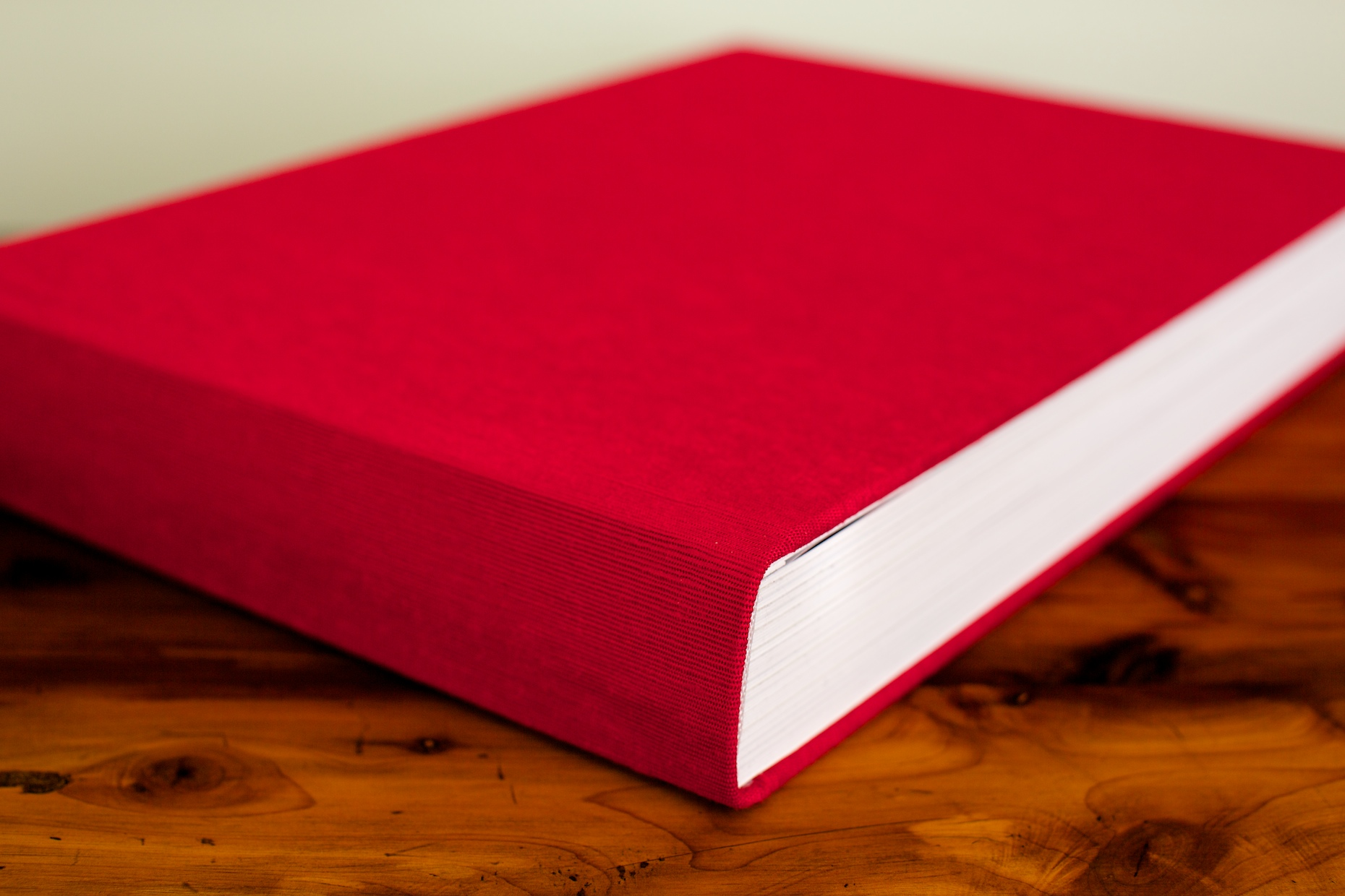 14x10 Queensberry Flushmount Album | Red Silk Cover
